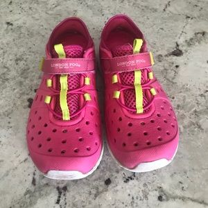 0260706276b4 Toddler boy wet to dry sneakers size 9. M 5ab560c2a4c4853f128d59bf. Other  Shoes you may like. London Fog tennis shoes water sz 12 girls pink